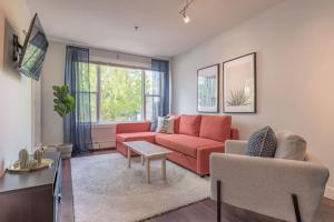 obrázek - Chic Downtown Halifax condo steps from everything