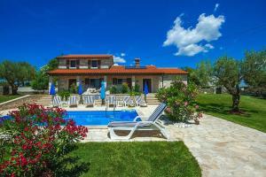 Labinci Villa Sleeps 10 Pool Air Con WiFi - Labinci