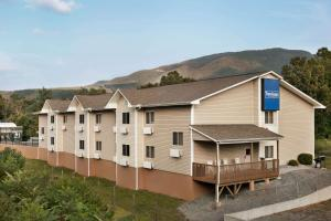 Accommodation in Low Moor
