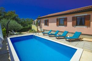 Murine Villa Sleeps 6 Pool Air Con WiFi - Murine