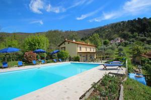Cerro Grosso Villa Sleeps 11 WiFi - AbcAlberghi.com