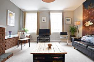 Three Bed on the Royal Mile (sleeps 6)