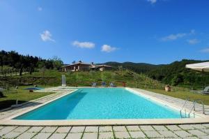 Passignano sul Trasimeno Apartment Sleeps 4 Pool - AbcAlberghi.com
