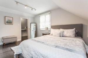 Unique Wrigleyville 2 Bedroom