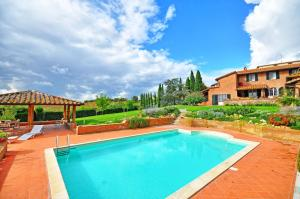 Casamaggiore Villa Sleeps 10 Pool Air Con WiFi - AbcAlberghi.com