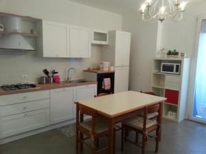 NUOVO BILOCALE IN VIA LAGOMAGGIO, 31 - AbcAlberghi.com