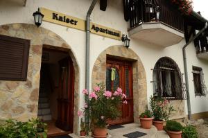 Kaiser Apartman, Ferienwohnungen  Hévíz - big - 63