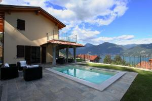 Il Piazzo Villa Sleeps 6 Pool - AbcAlberghi.com