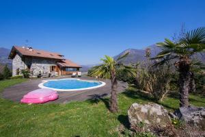 Argegno Villa Sleeps 8 Pool Air Con - AbcAlberghi.com