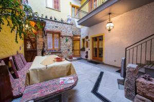 Montelago-San Gottardo Apartment Sleeps 3 - AbcAlberghi.com