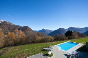 San Fedele Superiore Villa Sleeps 16 Pool - AbcAlberghi.com