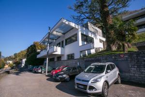 Blevio Villa Sleeps 6 Air Con - AbcAlberghi.com