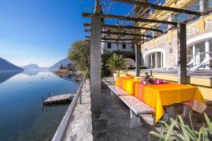 Albogasio-Oria Villa Sleeps 8 Air Con - AbcAlberghi.com