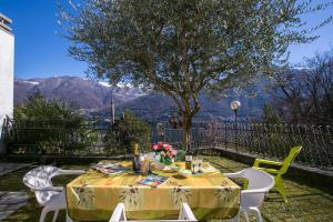 Brienno Villa Sleeps 6 - AbcAlberghi.com