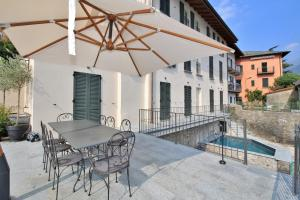 Laglio Villa Sleeps 8 Pool Air Con - AbcAlberghi.com