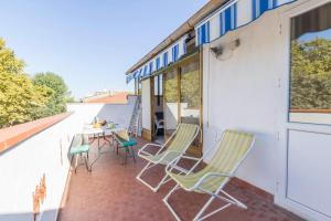 Gronda Sud Villa Sleeps 4 Air Con - AbcAlberghi.com
