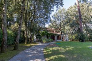 Forte dei Marmi Villa Sleeps 12 Pool - AbcAlberghi.com