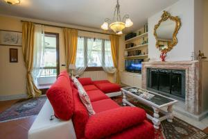 Federigi Apartment Sleeps 6 Air Con - AbcAlberghi.com