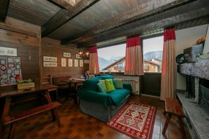 Teola Apartment Sleeps 4 - Hotel - Livigno