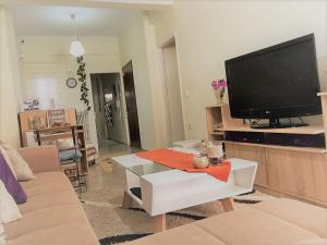 Theano's Cozy & Quiet Lux Central Flat - Wifi & full Amenities Achaia Greece