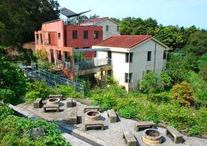 YHA Sze Lok Yuen Hostel