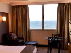 Belaire Suites Hotel, Hotely  Durban - big - 56