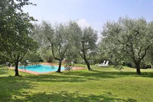 Loppeglia Villa Sleeps 10 Pool WiFi - AbcAlberghi.com