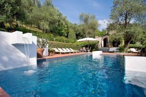 Nocchi Villa Sleeps 8 Pool WiFi - AbcAlberghi.com