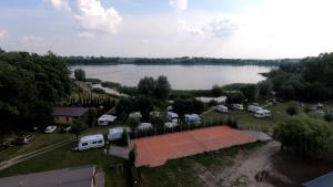 Hotelik nad Jeziorem