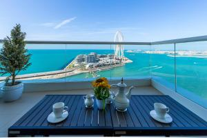 Luxury Living with Sea View and Private Beach in JBR by Deluxe Holiday Homes - Dubai
