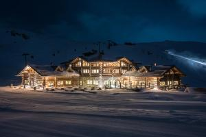 Sunny Valley Mountain Lodge - Hotel - Bormio