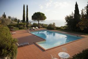 Passignano sul Trasimeno Villa Sleeps 6 Pool WiFi - AbcAlberghi.com