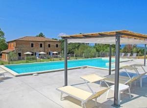 Castiglione del Lago Apartment Sleeps 4 - AbcAlberghi.com