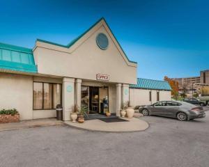 Econo Lodge Altoona I-99