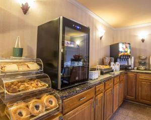 Quality Inn Fort Jackson, Hotels  Columbia - big - 39