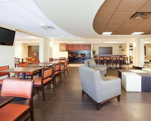 Comfort Inn Oak Ridge, Hotels  Oak Ridge - big - 26