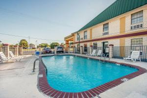 Econo Lodge Brownsville, Motels  Brownsville - big - 18