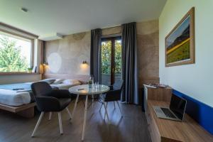 Hotel Gardenia, Hotely  Romano Canavese - big - 66