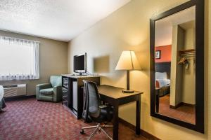Quality Inn & Suites La Vergne, Hotel  La Vergne - big - 11