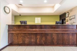 Quality Inn & Suites La Vergne, Hotels  La Vergne - big - 32