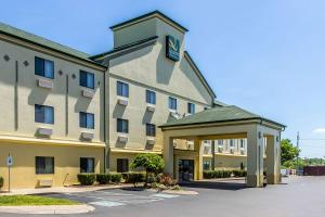 Quality Inn & Suites La Vergne, Hotels  La Vergne - big - 1