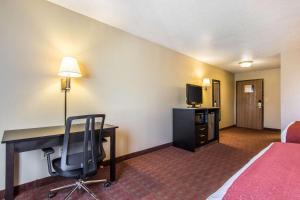 Quality Inn & Suites La Vergne, Hotels  La Vergne - big - 16