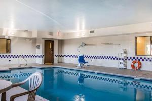 Quality Inn & Suites La Vergne, Hotels  La Vergne - big - 11