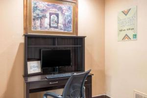 Quality Inn & Suites I-35 near AT&T Center, Hotel  San Antonio - big - 36