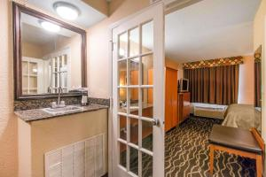 Quality Inn & Suites I-35 near AT&T Center, Hotels  San Antonio - big - 27