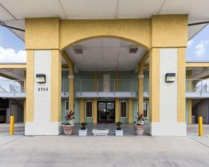 Econolodge Inn & Suites Downtown Northeast, Motel  San Antonio - big - 1