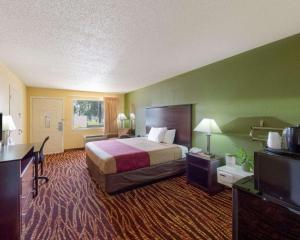Econolodge Inn & Suites Downtown Northeast, Motel  San Antonio - big - 36
