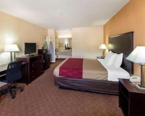 Econolodge Inn & Suites Downtown Northeast, Motel  San Antonio - big - 34