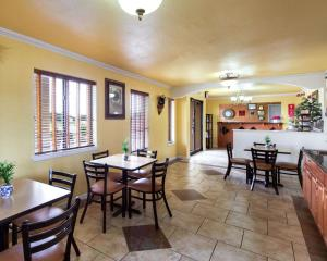 Econolodge Inn & Suites Downtown Northeast, Motel  San Antonio - big - 25