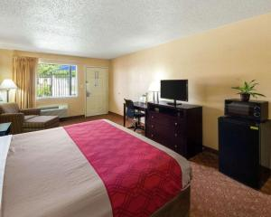 Econolodge Inn & Suites Downtown Northeast, Motel  San Antonio - big - 21